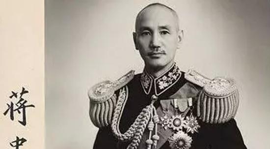 蒋介石最后选择退守台湾,是得哪位高人指点?